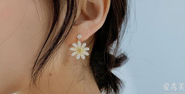 小小耳飾本領如此大,百搭產品造型設計顯氣質,如何看全是最好是氣質美女