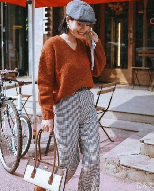 """穿毛衣別隻選黑白灰,今年 秋季多穿這一""""暖色調"""",顯膚白又高級"""