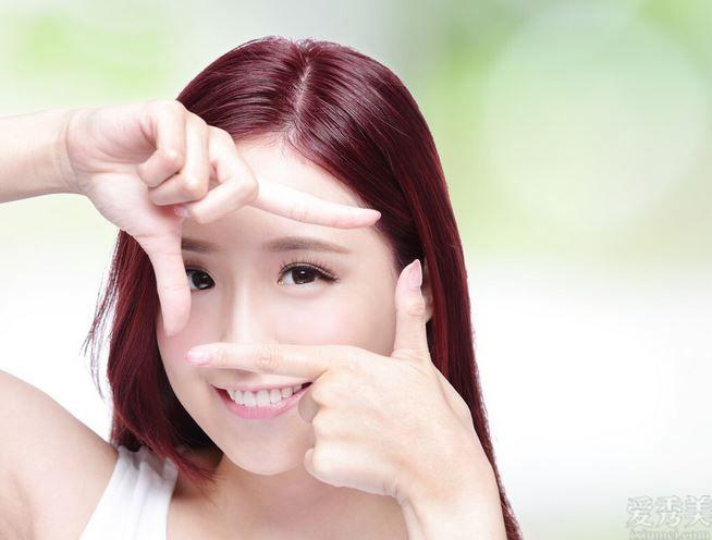 女生要想好看,一張幹凈整潔完美臉孔必不可少,那般護理臉部幹凈整潔細膩