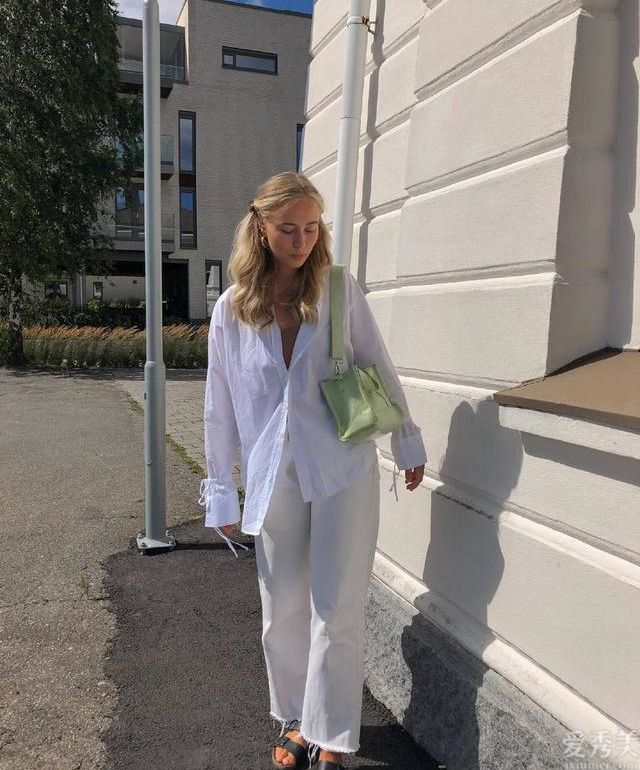 白襯衫秋初N種穿法,迅速與時尚博主學習來!舒適又好看