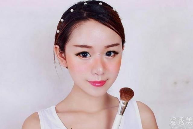 清新淡雅又優美的偽日系妝容隻需三步就能擁有 ,粉嫩嫩的初戀臉來瞭