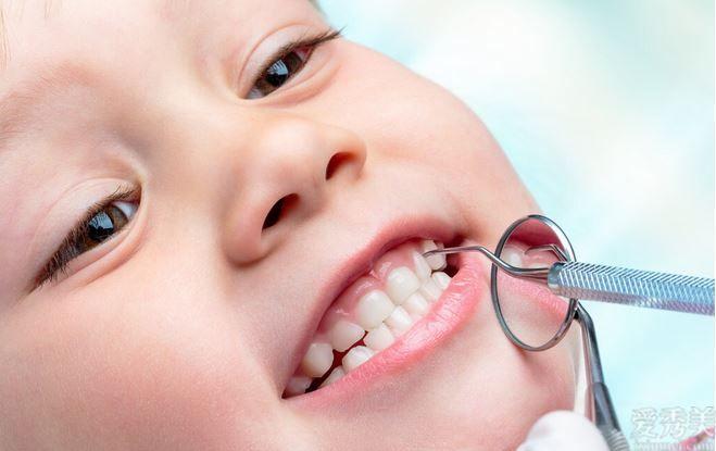愛牙保護牙齒要從乳牙一開始,父親寶媽大夥兒你你準備好瞭嗎?