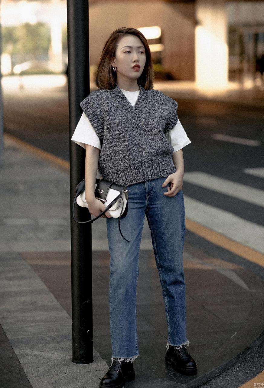 秋季必不可少的3件類目,西裝外套瀟灑帥酷,針織衫溫暖舒適