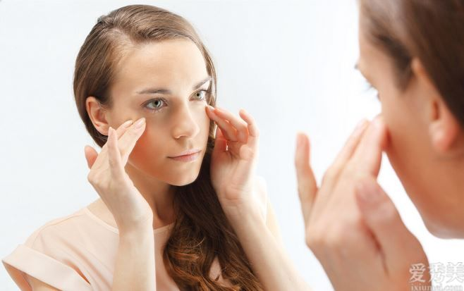 面部按摩技巧,身體排毒延緩衰老,還你緊實延展性皮膚