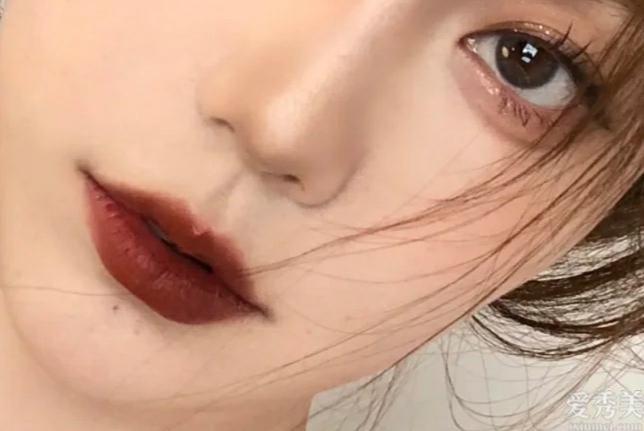 冬季必買顯白號,chanel不挑肌膚顏色,紀梵希小羊皮合適自然妝