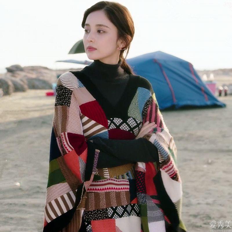"""最近流行一種穿法,叫""""針織衫疊穿"""",照本宣科就能大幅度搭配出形式美"""