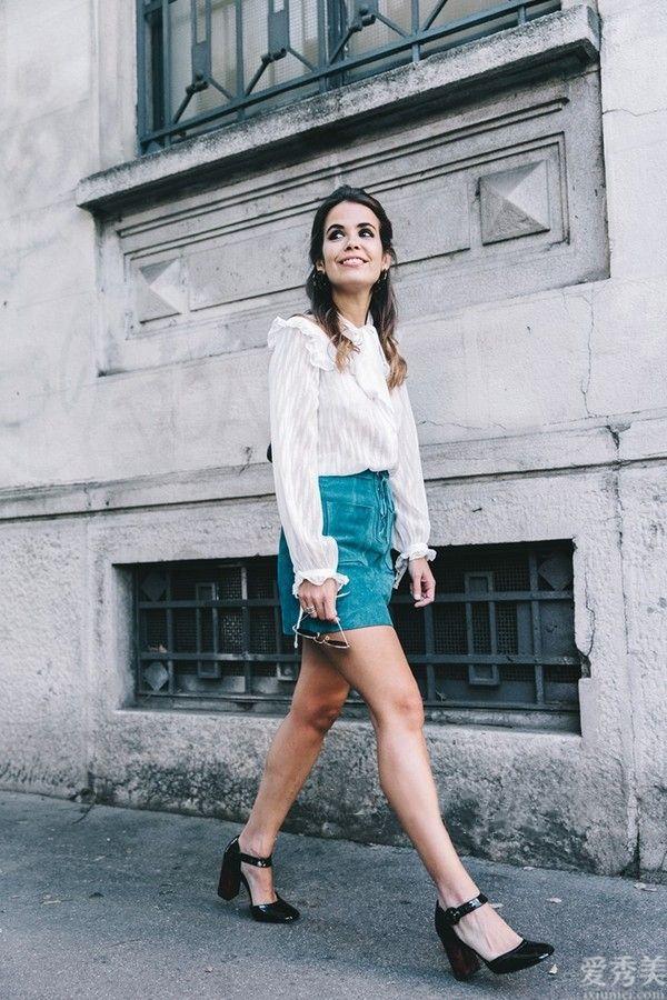 初秋無論穿裙還是牛仔褲子,都別配小白鞋!