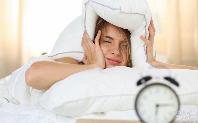 註意,身體出現這八個癥狀,是休息不好的主要表現,被長期熬夜瞭
