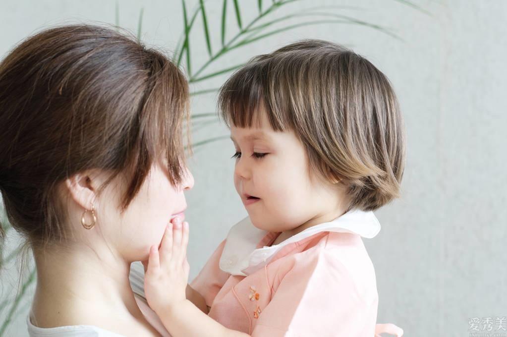 難怪寶寶一直睡不大好,五種情況寶媽要註意,要不然危害小孩漲個