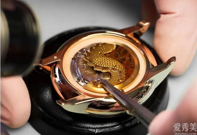 雅克德羅限定荷載腕表以戊辰「土龍」為設計概念手工制作制作金雕細致惟妙惟肖