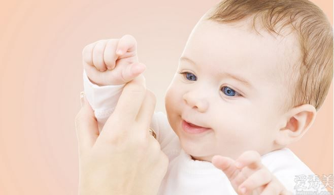 缺少鈣會給寶寶導致十分大的危害,那一樣的補鐵劑方式十分合理