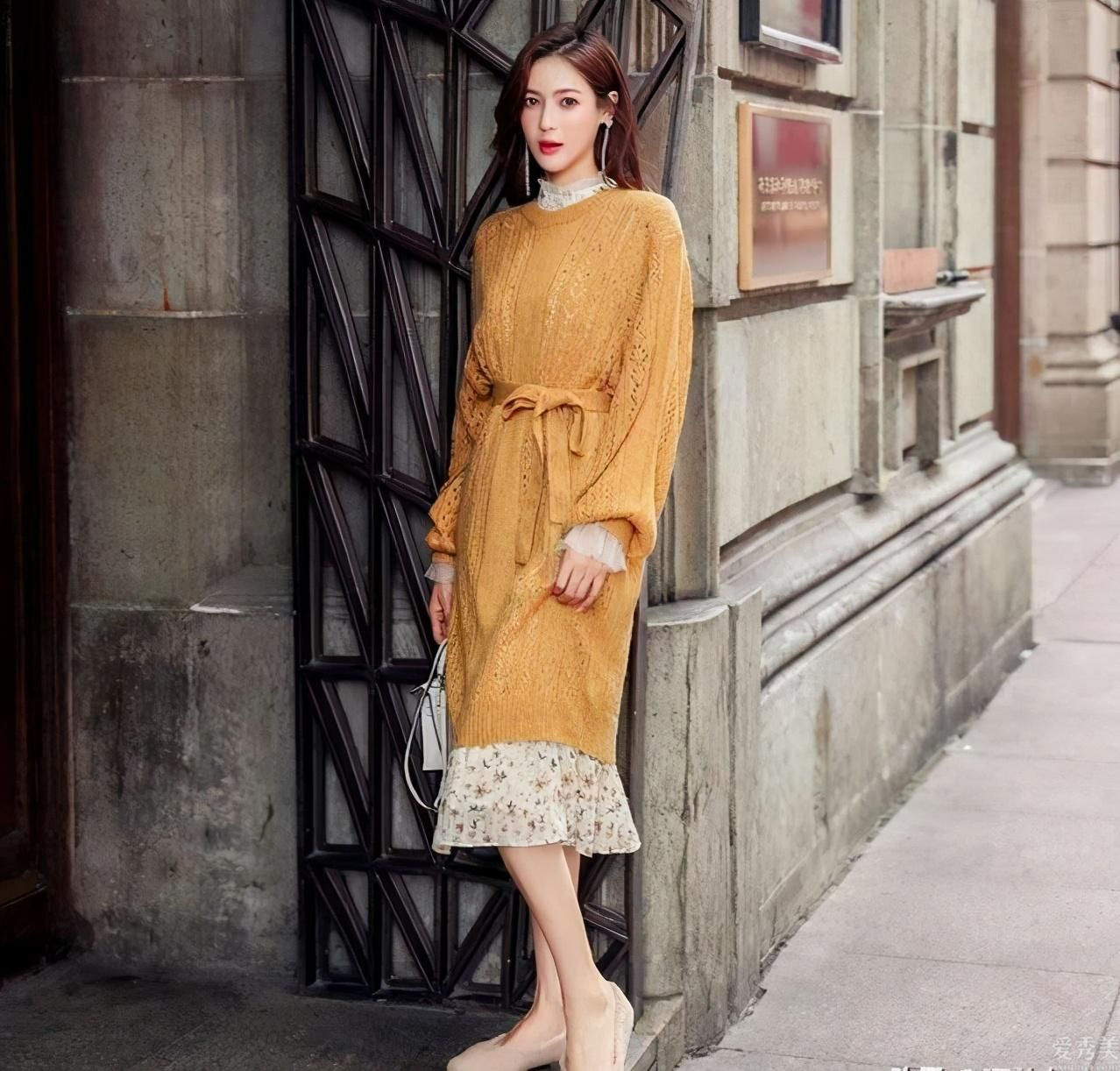 今秋流行的針織連衣裙,演繹秋季所有的溫柔穿衣搭配,簡約舒適又高級