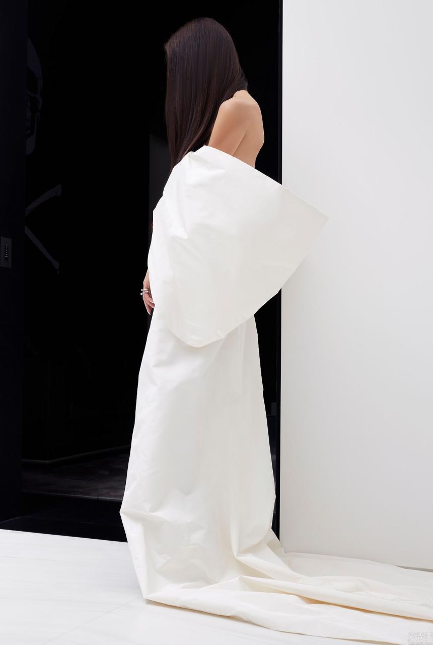 消除婚紗與成衣的界限,Vera Wang預演全新時裝系列。