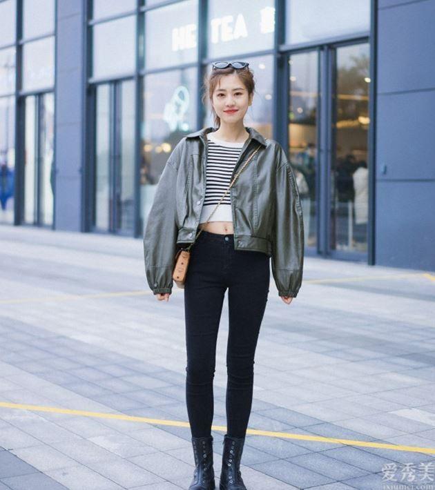 """秋天不管穿裙還是牛仔褲子,都別配白運動鞋,今年這4鞋子更""""共演"""""""