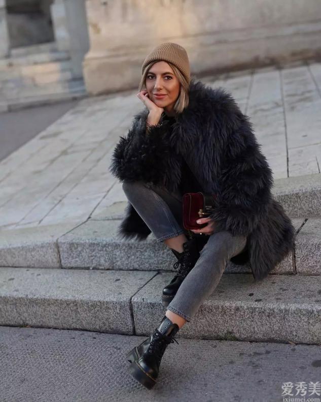 """霜降之後將平跟鞋收吧!今年正流行這類""""靴子"""",小個子女生女生還可以穿"""