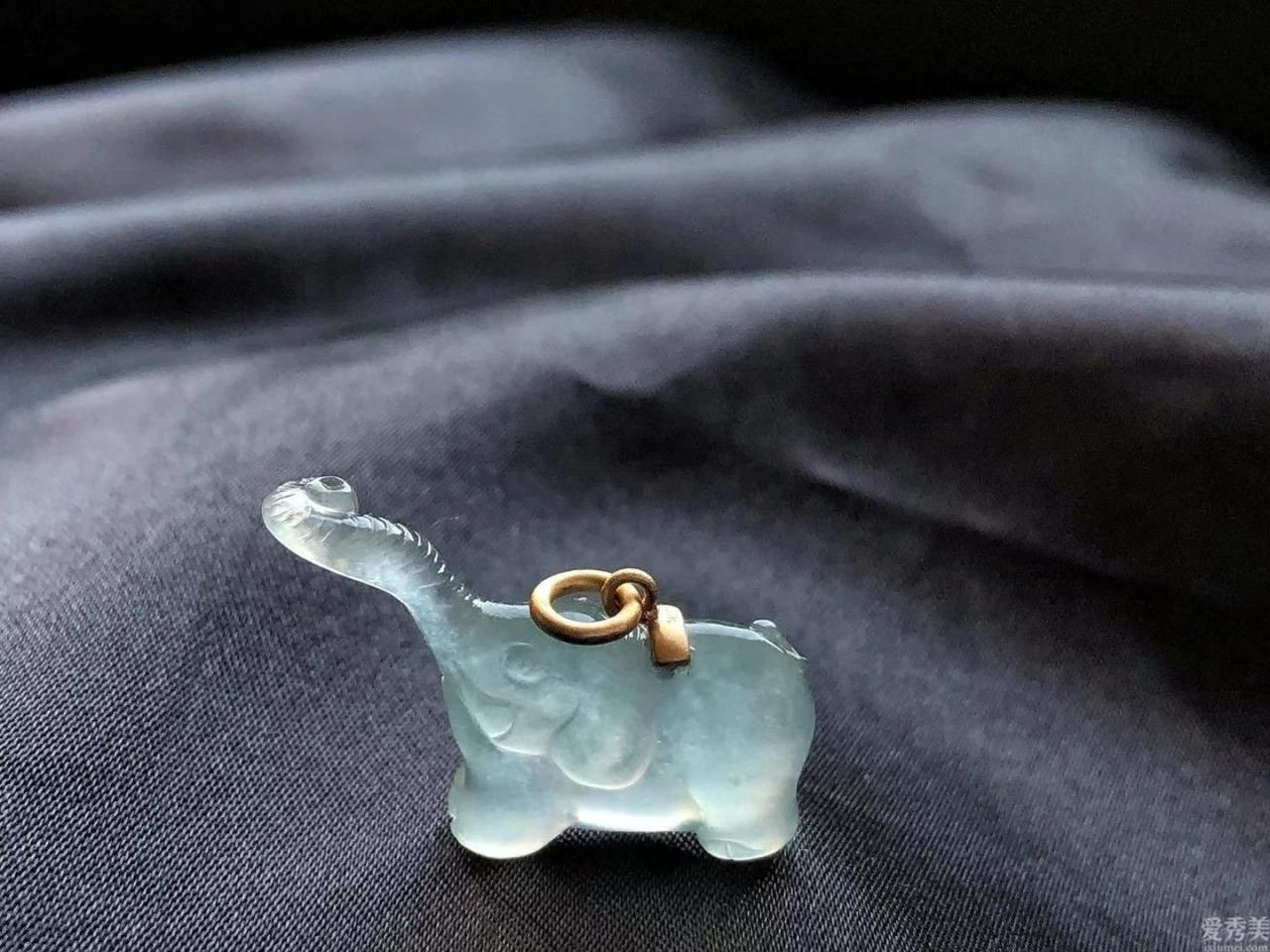 這種超可愛的首飾,除瞭可愛的動物也是有復古時尚的物品,讓人難以言喻