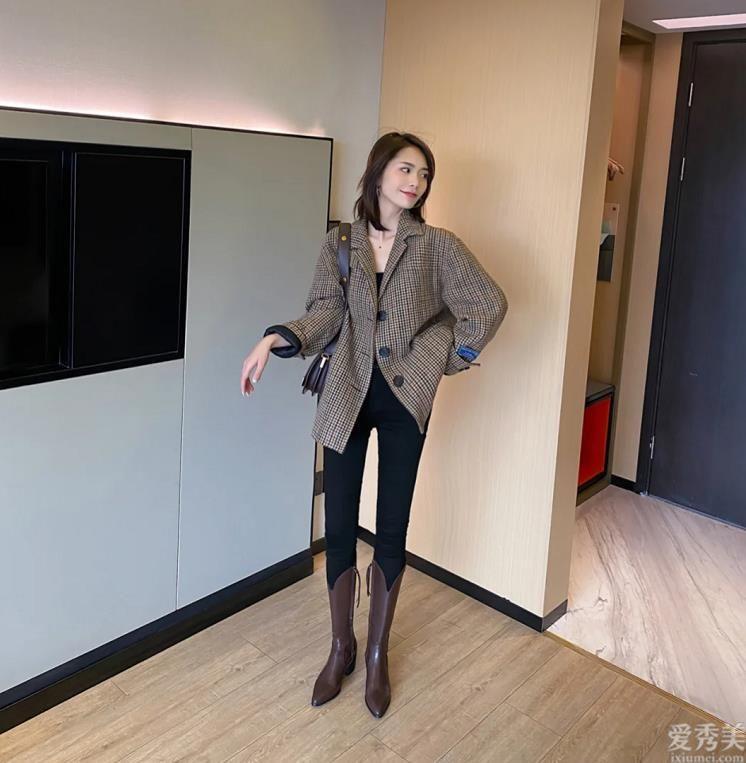 """比馬丁鞋更火的""""騎士靴"""",這個冬天學潮人那般來穿,顯瘦又顯瘦"""