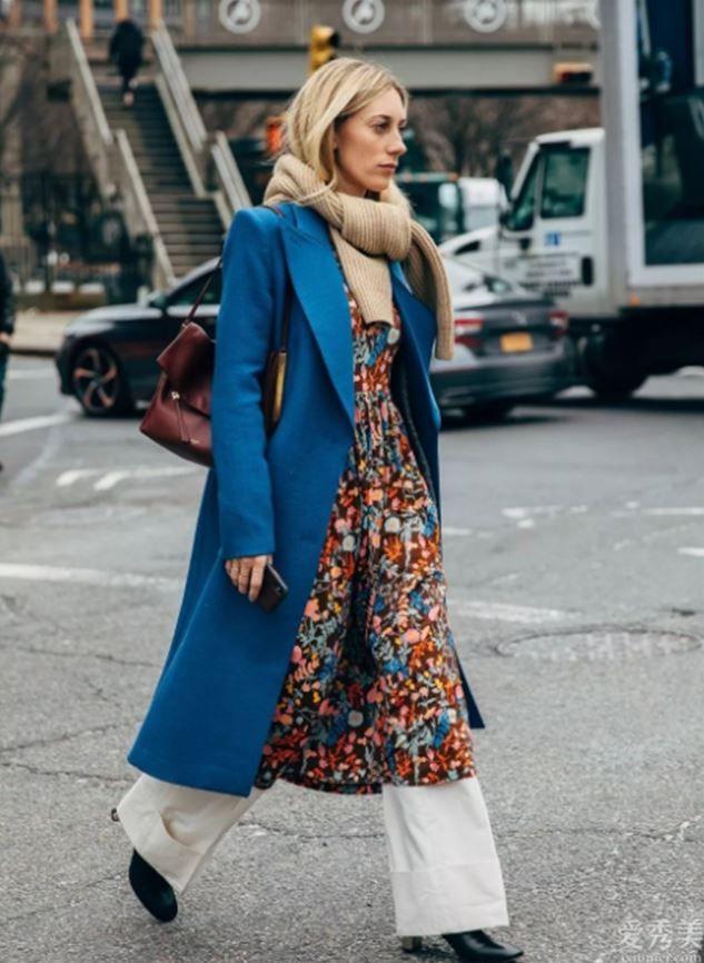 """最近爆紅一種牛仔褲子:叫""""雪花褲"""",時尚潮流防凍保暖又好搭,冬天穿上正好"""