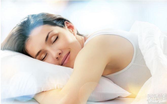 """臨睡前鍥而不舍4個養成好習慣,鍥而不舍一段時間,輕松塑造""""牛奶肌"""""""