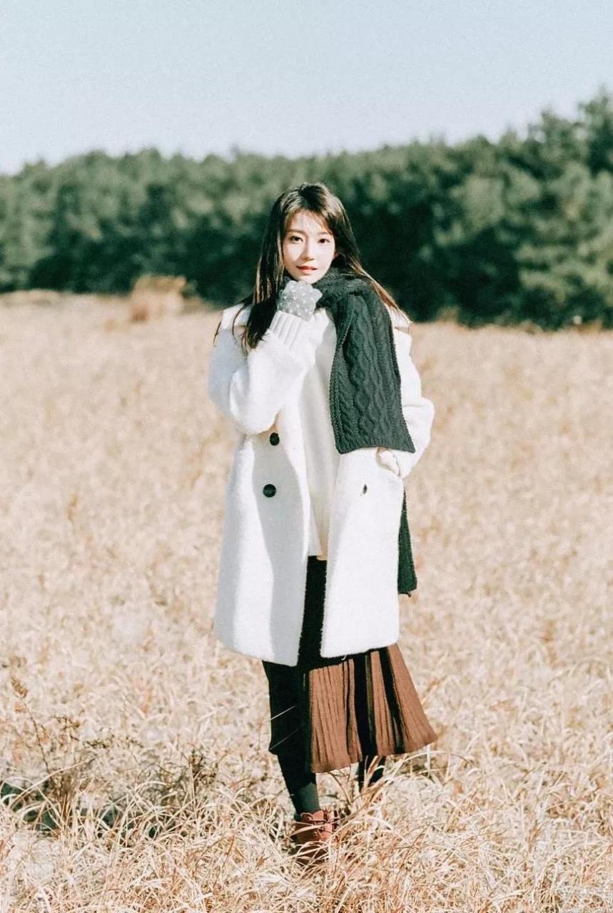 圍巾怎樣系才好看?掌握這幾種方法,一般款還可以系出美女模特感