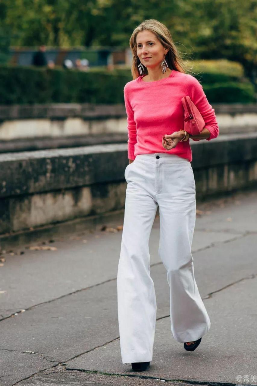 """冬天盡量減少穿小白褲!試一下這條""""豆腐褲""""吧,清爽顯年青,特顯氣質"""
