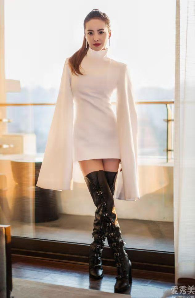 """蔡依林這長連衣裙很好,156身高穿出176氣場,穿搭太顯""""個高"""""""