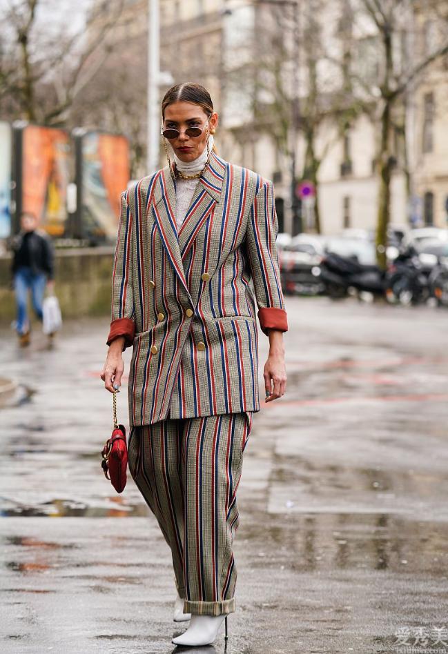 """這個冬天流行的""""西裝+九分褲""""也太潮流趨勢瞭,高級好看,矮個子的女孩還可以穿"""
