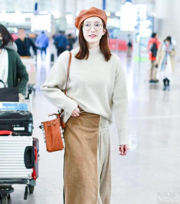 氣質女人冬季不可或缺3款帽子,解決穿衣搭配膚淺感,趙麗穎江疏影全是會戴