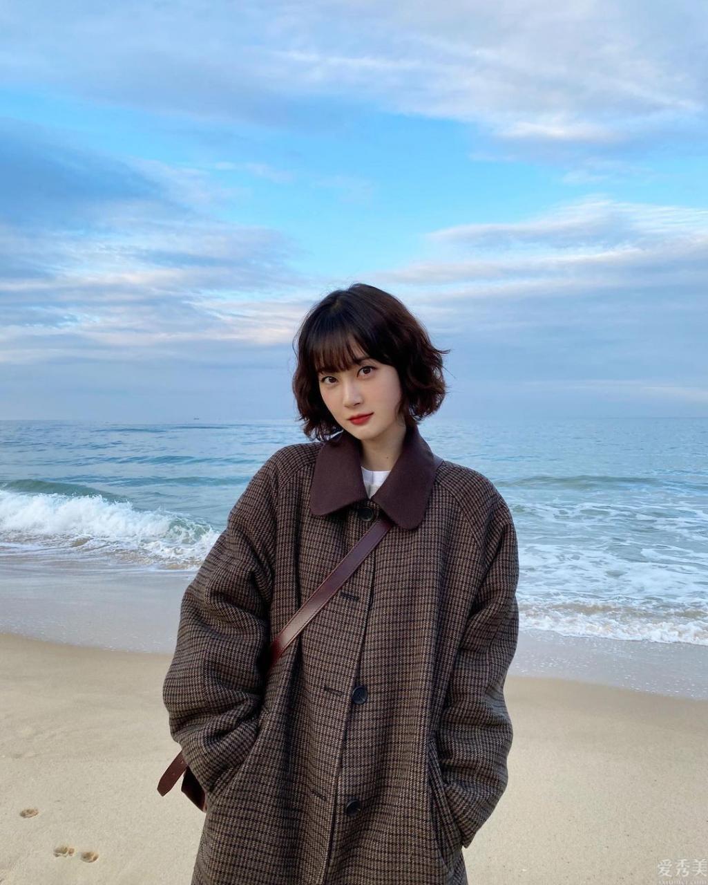 """矮個子的女孩,如何操控長大衣?剖析7套""""日系穿搭"""",沖著穿驚艷"""
