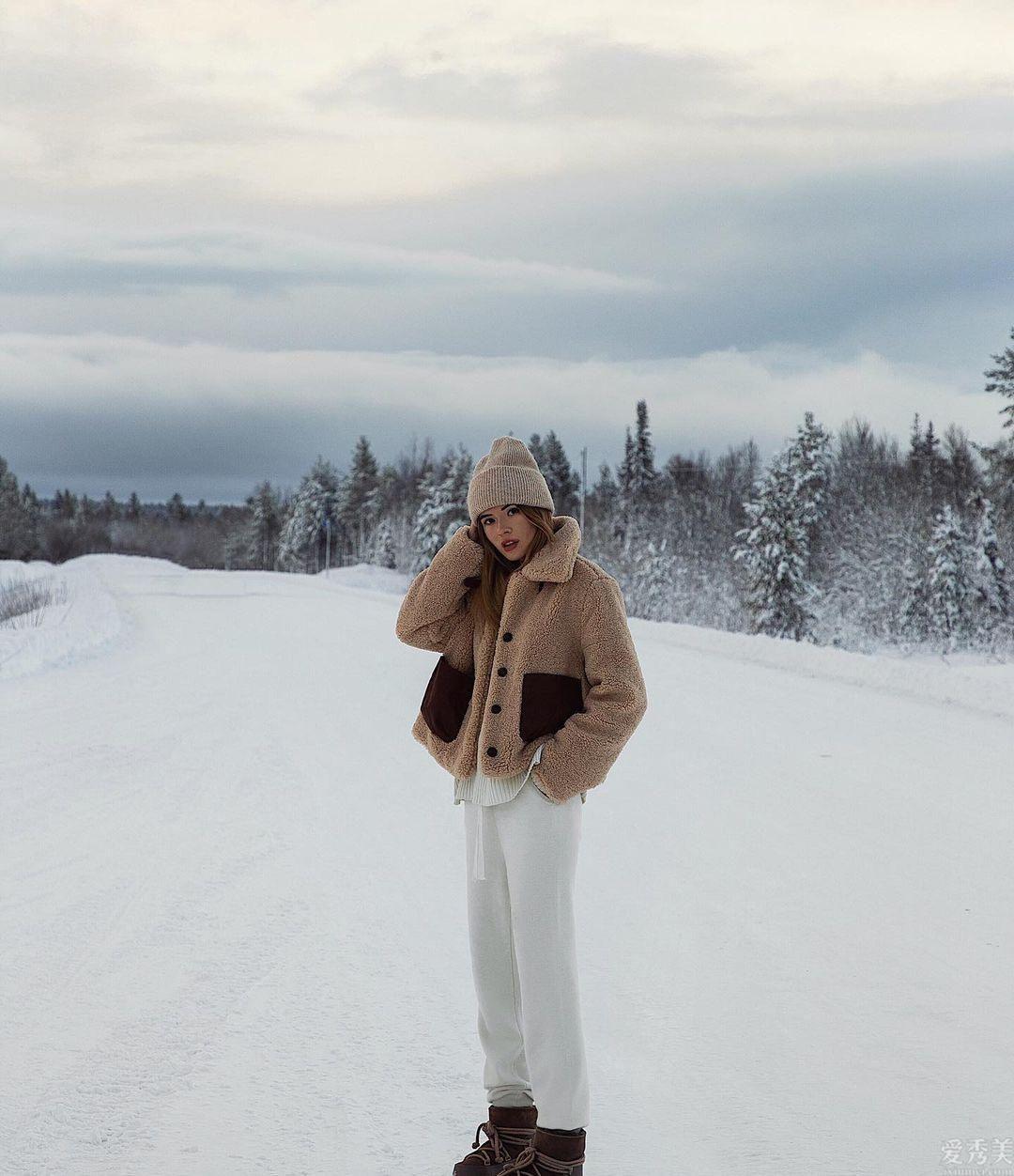 潮流精的冬季服裝裡怎樣少得瞭帽子?四款帽子正當行為紅,潮流趨勢防凍保暖又廋臉