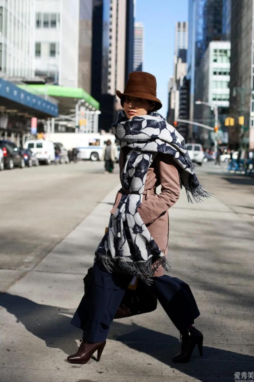 """頭大臉圓的人如何選帽子?這兩個樣式優先選擇選擇選擇,""""上邊""""顯臉瘦又精美"""