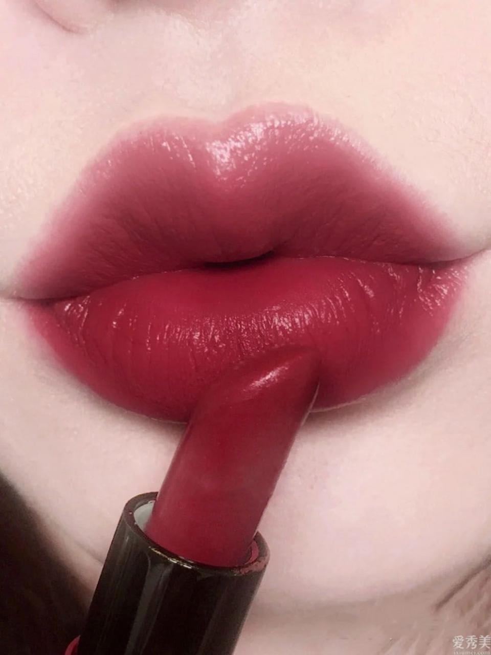 MAC冬天唇膏榜:408罕見,977紅過小辣椒,這支黃皮最喜歡