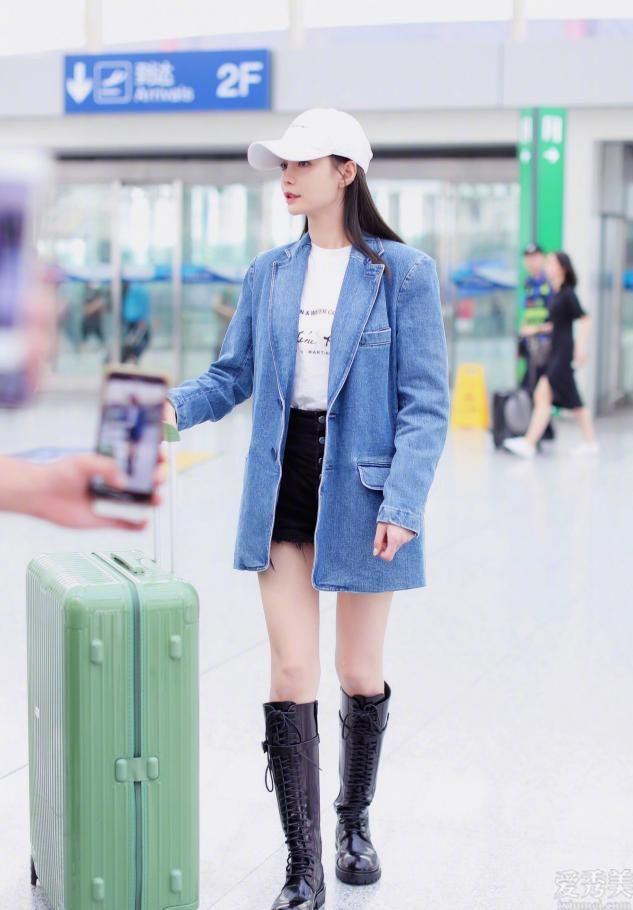 """馬丁鞋打入冷宮瞭,2020年最火的""""靴子""""是它,顯高顯瘦,小粗腿也適合"""