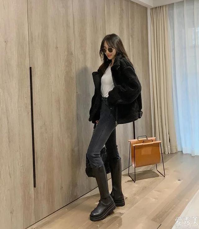 """這個冬天最流行穿""""長靴""""瞭,搭配這好多個上衣外套外套、外套,好看又顯高"""