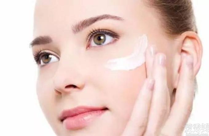 睡覺前,堅持不懈搞好這很多維護保養姿勢,皮膚或能嫩細嫩滑