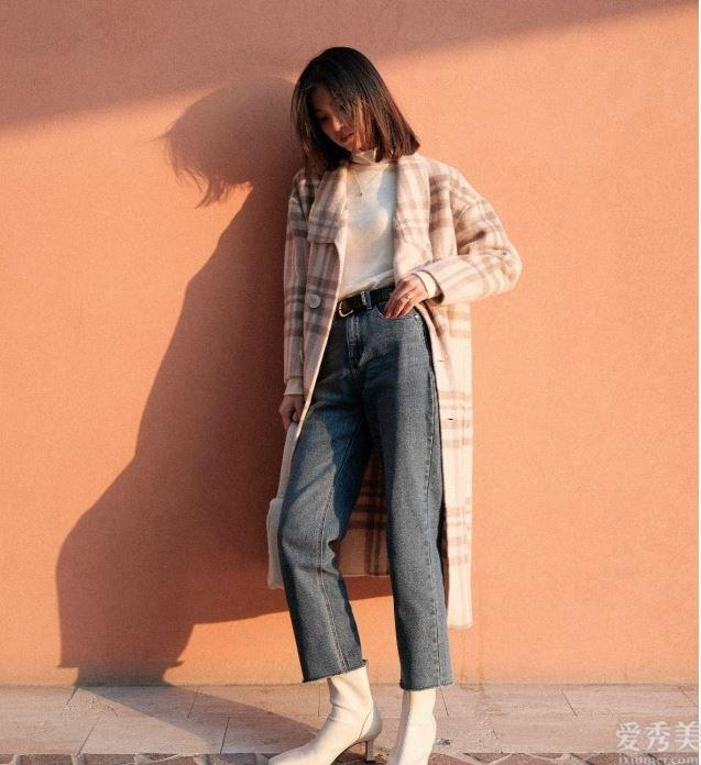 """今年冬天時興那樣穿靴子,""""不塞褲腿、但是膝"""",時尚潮流顯瘦,照穿準美"""