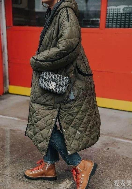 """冬季別隻瞭解穿羽絨衣,如今時興""""奶奶風棉衣"""",大牌明星紅人都是在穿"""