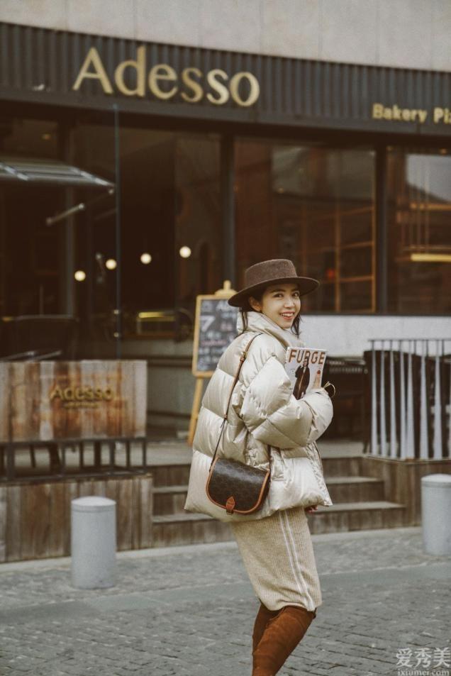 衣沒有多,會搭才是硬道理!今年冬天挺火:小外套+半身裙,顯高顯高級