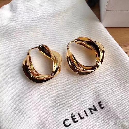 頂級奢品知名品牌耳環強烈推薦,氣質時尚100分,你務必擁有