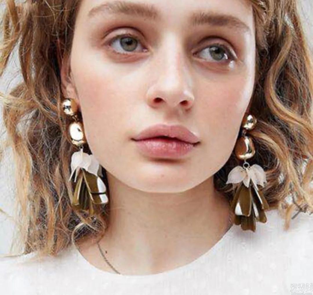 不一樣臉型的人如何選擇耳環?那樣選擇不容易出錯!