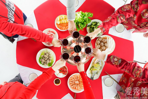 春節假期要保持健康飲食,湯臣倍健多種維生素礦物質片堅持吃!