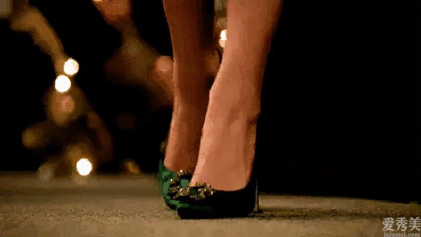 """總算有舒服的涼鞋,你卻嫌它醜?超火的""""爸爸涼鞋"""",漂亮又百搭"""