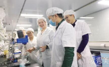 潤知生物夏氏怡顏打造科技力護膚品牌,復活草奢寵煥顏雨霧乳如何做到一瓶高效?