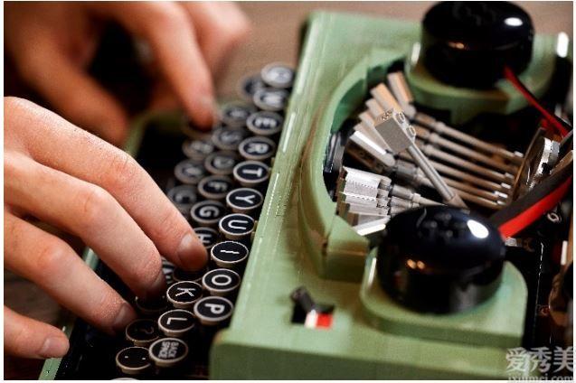 全新樂高®IDEAS打字機上市,敲敲敲有趣!