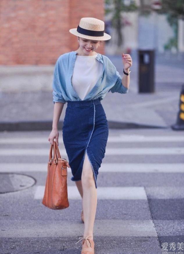 """仍在擔心夏季穿什麼?強烈推薦這4款""""半身長裙"""",時尚減齡有魅力"""